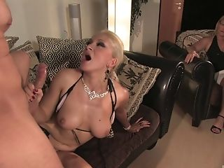 Blonde, Soutien-gorge, Couple, Ejaculation Dans La Bouche, Hardcore , Star Du Porno, Slut, Pute ,