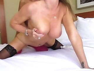 Amber Michaels, Grote Tieten, Blond, Gezicht Neuken, Vingeren, Visnet, Leer, Lesbienne, Lingerie, Lang Haar,