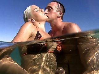 жопа, на пляже, бикини, блондинки, пара, Cowgirl, милые, член, пальцем, дрочка,
