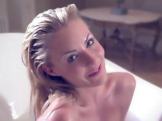 малышка, в ванной комнате, красотка, блондинки, милые, обнаженные, позирование, сексуальные, худышка, соло,