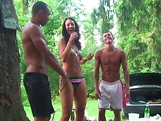 Brünette, Elaine Meadors, Gruppensex, Hd, Outdoor, Party, Russisch, Slut, Hure,